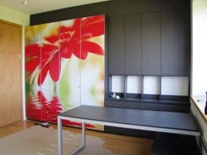 Spinta su RG-273 Gele Raudona shutterstock_29379442 foto
